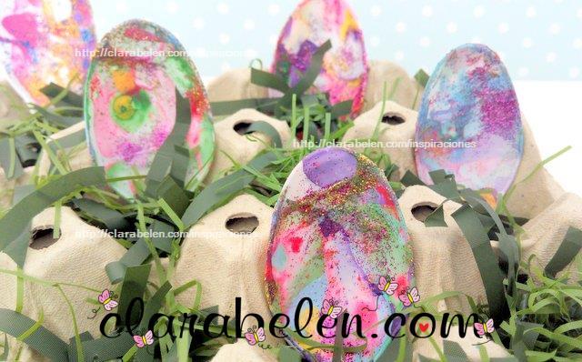 Tutorial de manualidades para hacer huevos de Pascua con cucharas de plastico y la tecnica marmoleado esmaltes