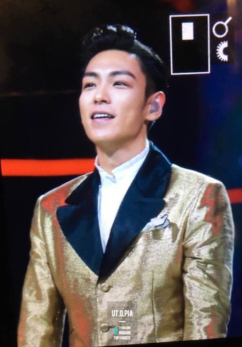 BIGBANG Hunan TV 2015-12-31 by UTOPIA (1)