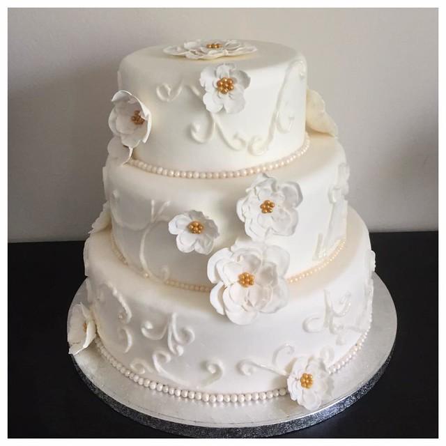 Flower Wedding Cake by Kelly Koolenn of Cake design by Kelly