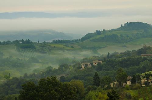 morning italy tourism fog sunrise europe tuscany sangimignano lanscape chiarello italiantowns rudychiarello
