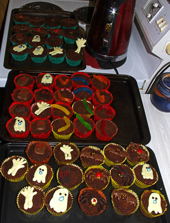 Graveyard cupcakes finished 10 2014 K54466 cr450