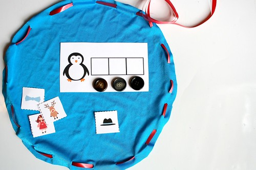 Christmas Phonemic Awareness Busy Bag (Photo from The Educators' Spin On It)