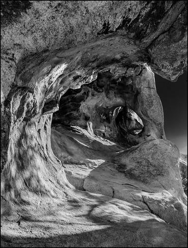 california bw unitedstates petroglyphs lightroom twentyninepalms joshuatreenationalpark photoshopelements martinsmith barkerdamtrail nikon18200mmvrii nikond7000 waveofstone ©martinsmith