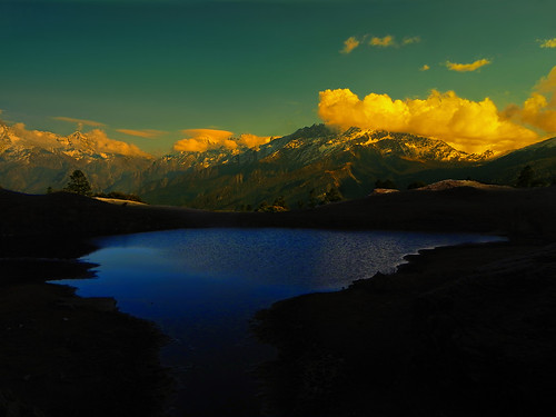 sunset sky india mountain lake mountains color colour water beauty clouds landscape evening twilight colours tali sundown dusk highland uttaranchal loch himalaya picturesque range himalayas tal highaltitude garhwal highaltitudelake lopamudra uttarakhand kuari uttarkhand lopamudrabarman
