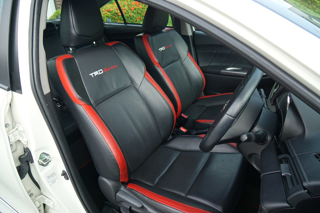 interior - rebecca saw - car reviews - toyota vios TRD-004