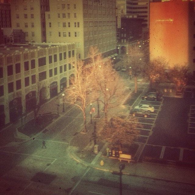 Late afternoon #sun in #downtowntulsa #quittingtime #tulsa #igersok #igerstulsa