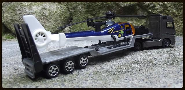 N°601 Mercedes Actros + surbaissé transport hélico. 16465616587_fe3a701384_z