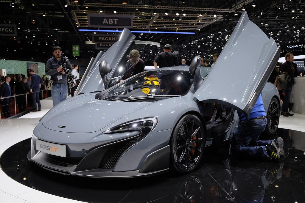 McLaren 675LP live photos: 2015 Geneva Motor Show