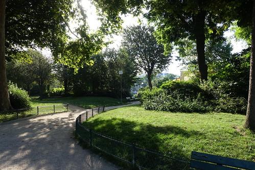 Walk along canal saint martin bassin de la villette for Jardin villemin