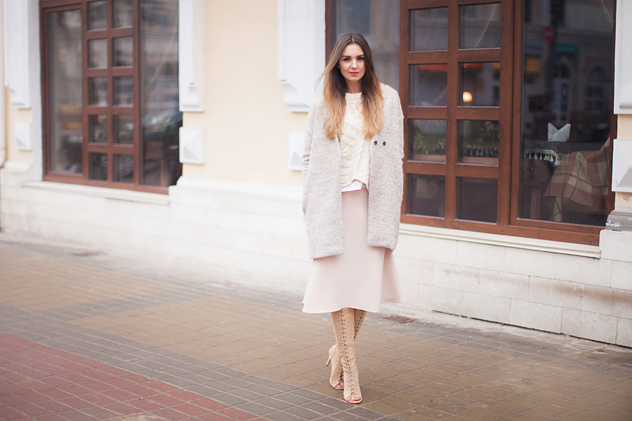 total-nude-outfit-street-style