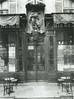 Le café 'A Jean Bart', 38 avenue de La Motte-Picquet, photographié par Eugène Atget en 1911