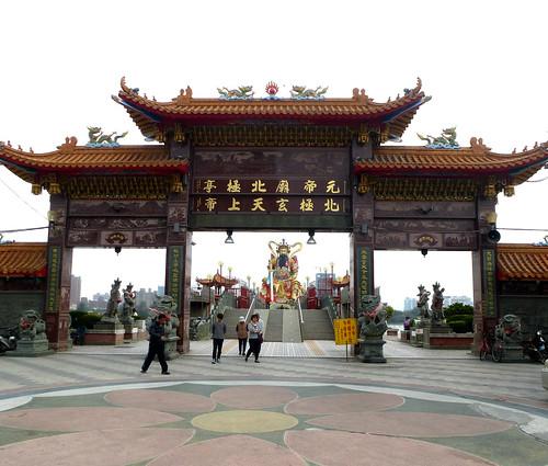 Ta-Kaohsiung-Lotus Pond-Xuantian (15)
