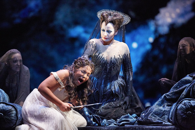 Janai Brugger as Pamina and Anna Siminska as Queen of the Night in Die Zauberflöte © ROH. Mark Douet 2015