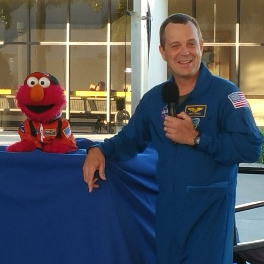 Elmo & Astro Ricky Arnold talking about #Orion at KSCVC 12/04/2014