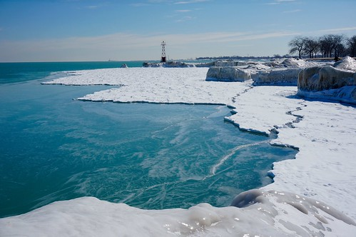 winter lake chicago ice beach sunny lakemichigan lakeshore lakefront fosterbeach winterwonderland iceformations chiberia