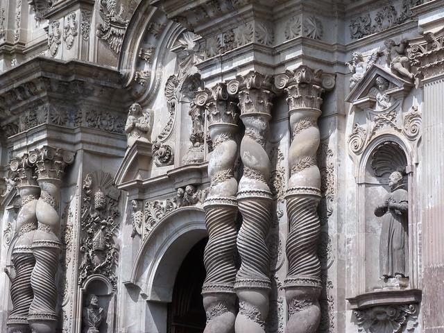 Fachada de la iglesia de la Compañía de Jesús en Quito (Ecuador)