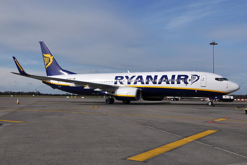 EI-FIC - B738 - Ryanair