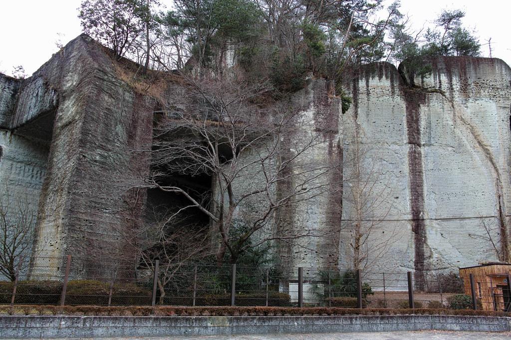 採掘跡が残る大谷石