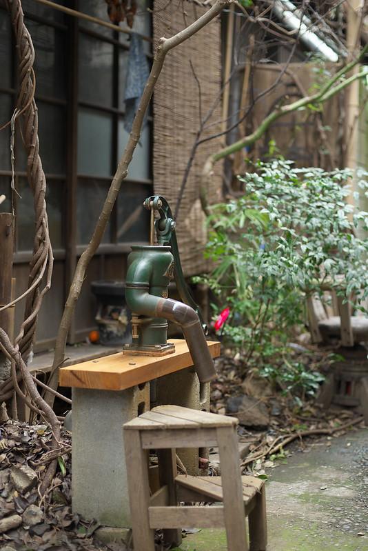 東京路地裏散歩 根津・谷中 井戸ポンプ 2015年2月22日
