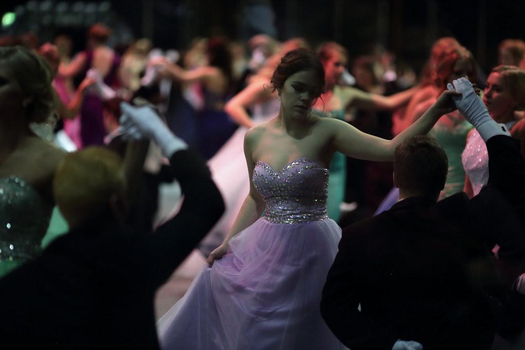 Lumin vanhojen tanssit199