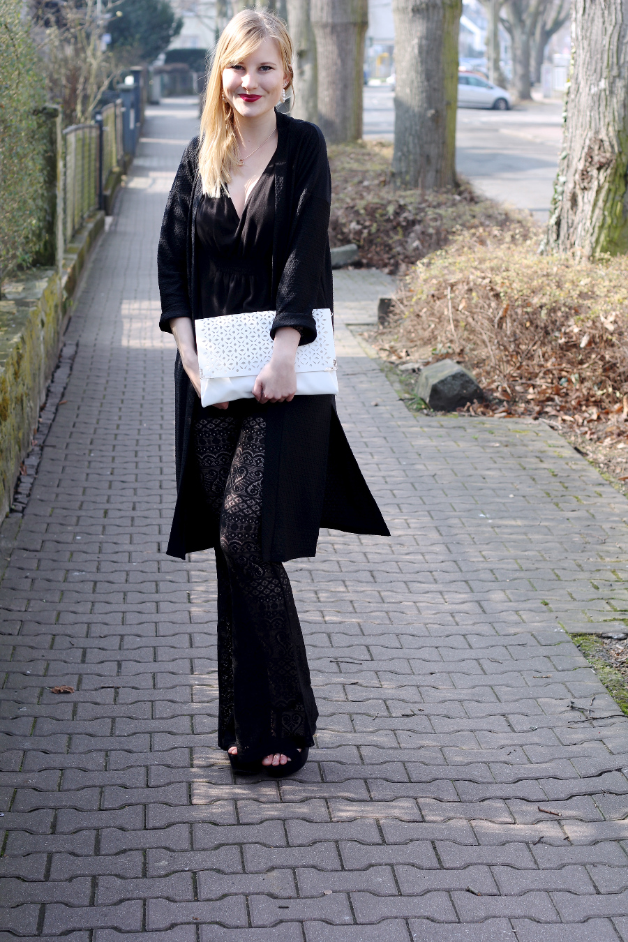 outfit-frühling-trend-schlag-spitze-2015-blogger-clutch-plateau