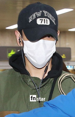 BIGBANG (wout Seungri) arrival Seoul Gimpo from Beijing 2016-01-02 (15)