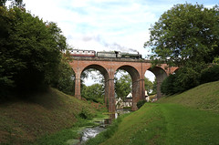 7802 Bradley Manor crosses Oldbury viaduct
