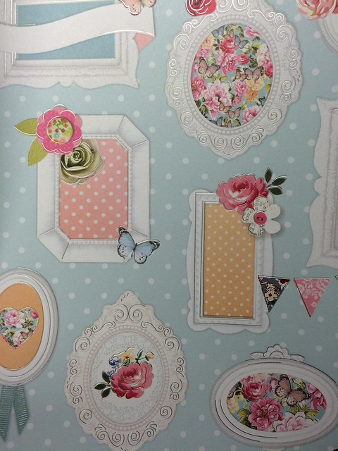 Bellissima frame bunting paper