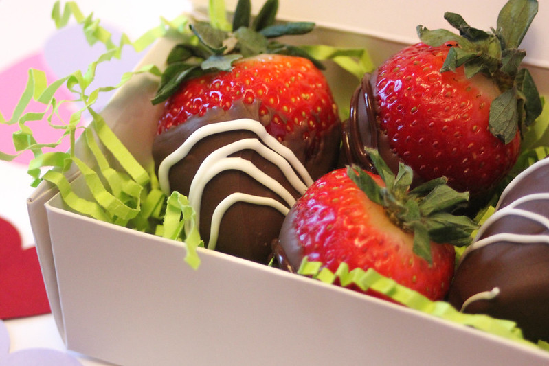 choc-strawberries-8444