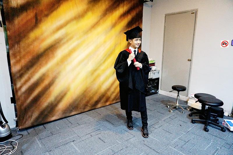 randy graduation photoshoot