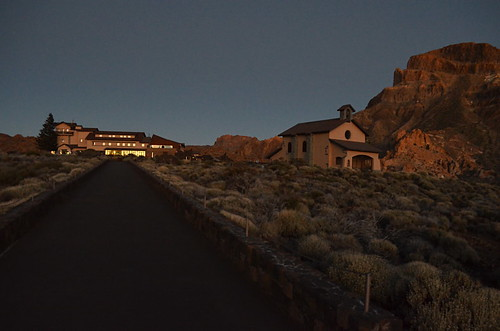 Teide Parador by night