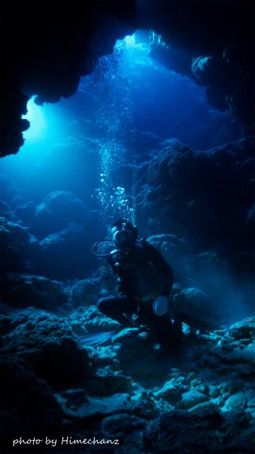 西表島の幻想的な洞窟の光でした!!!