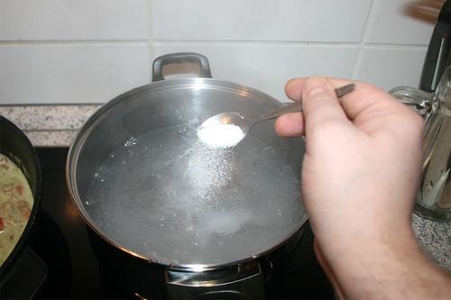 44 - Wasser salzen / Salt water