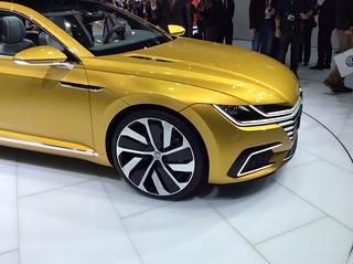 VW-Sport-Coupé-Concept-GTE-11