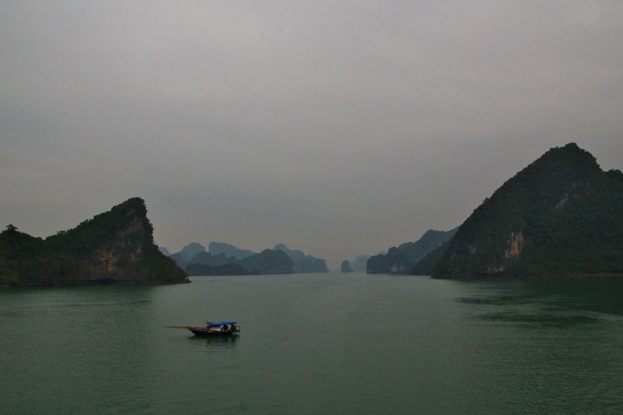 Cruising Ha Long Bay