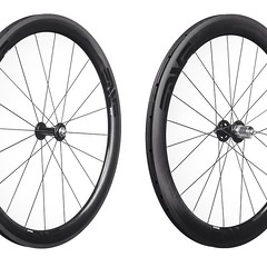 The all new Enve 4.5 SES wheelset acutely balances aerodynamics, rotating weight, and stability.   The depth at 48/56mm seems to be perfection.  #envewheels