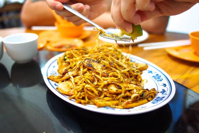 mee goreng. New Ubin Seafood, Sin Ming Industrial Estate