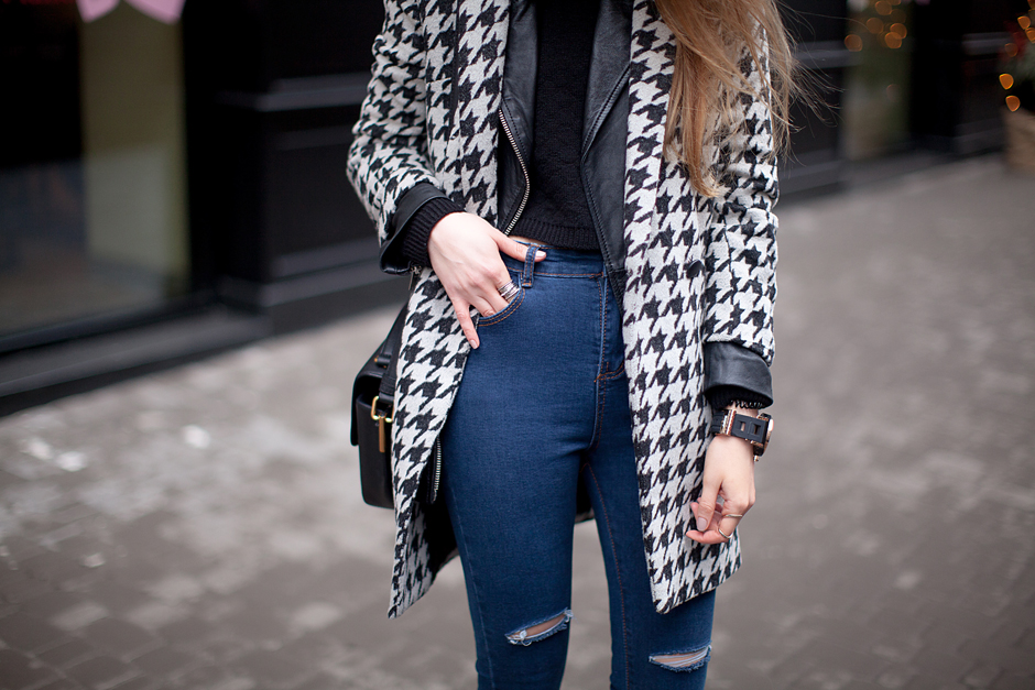 coat-over-leather-jacket-outfit-streetstyle