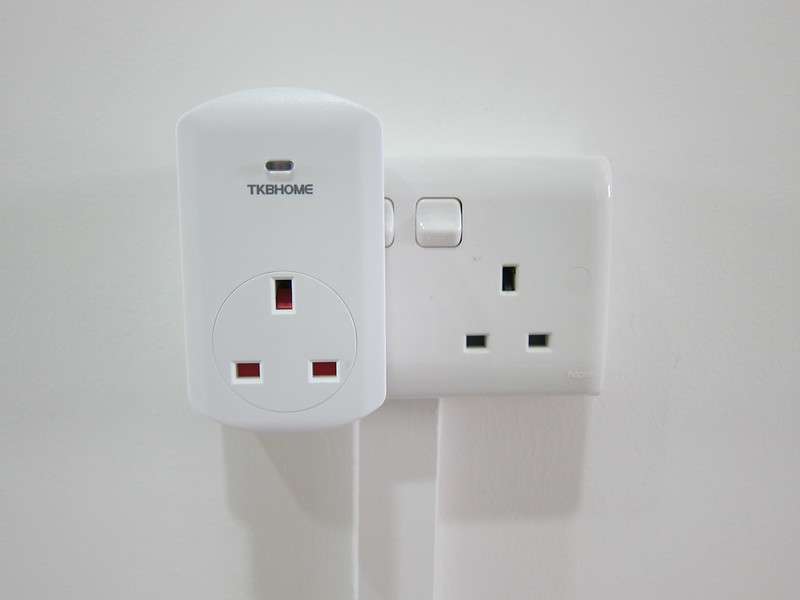 TKB Z-Wave Wall Plug Switch/Meter - Plugged-in
