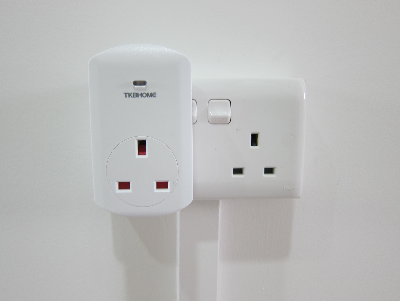 TKB Z-Wave Wall Plug Switch/Meter « Blog   lesterchan.net