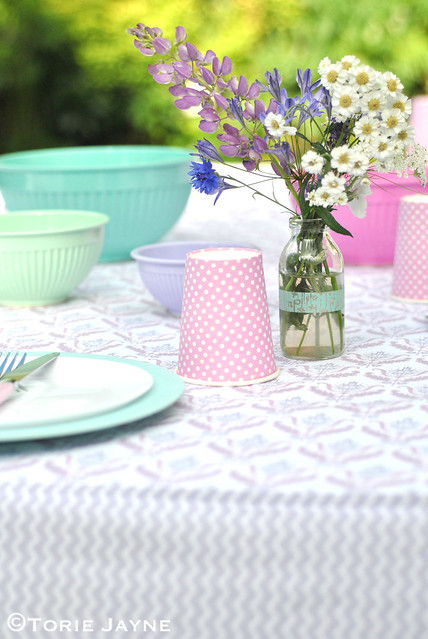 Handmade fitted tablecloth tutorial