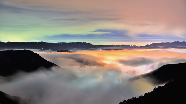 ~雲海琉璃~   Colored glass light Clouds