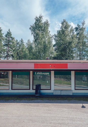 eteläsavo architecture deserted em5mkii europe exterior finland mäntyharju olympus olympus1240mmf28 omd reflection smalltown summer trees windows