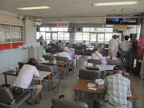 姫路競馬場の5階禁煙コーナー