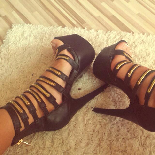 Repost from @gabikaholeckova #shoelfie #shoes #sexyshoe #sexy #stekle #shoe #heelsaddict #heelsoftheday #highheels #heelshoes #heels #sexyheels #hhb #highheelsbrands