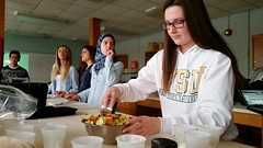 Students from NutriWayne and the Department of Nutrition and Food Science team up with Cooking Matters to help local families put healthy meals on the table