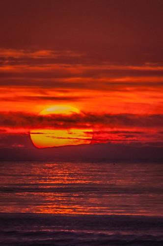 sun inspiration sunrise emotion health etc connection happynewyear irvingnaturepark bigballoffire best2014