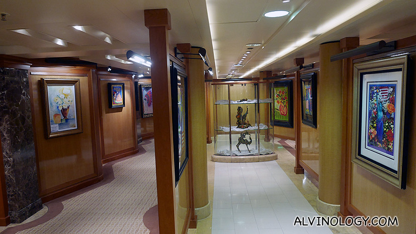 Art Gallery where you can bid and buy the artworks home