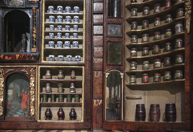 Collector's cabinet, Holland, 1730
