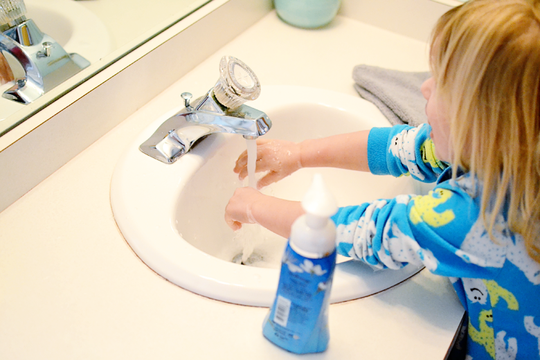 Using foaming hand soap to teach your kids how to wash their hands